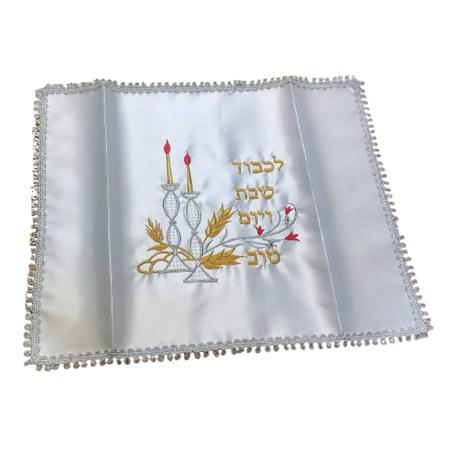 Cobertura de chalá castiçal com bordado