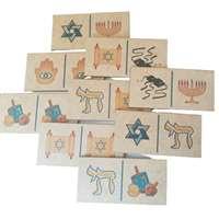 Dominó de madeira com símbolos judaicos