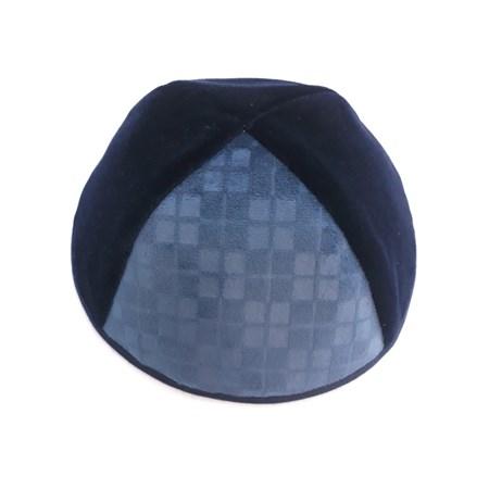 Kipá infantil de veludo azul com triângulo aveludado decorado - Tam. 4