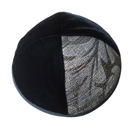 Kipá de veludo preto com triângulo estampa de folha - Tam. 2 prateado